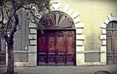 old-door-57250_960_720.jpg